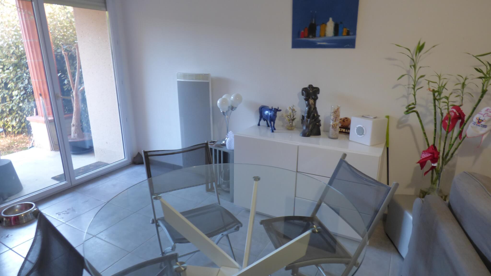 Appartement T2 , jardin, piscine VENDU