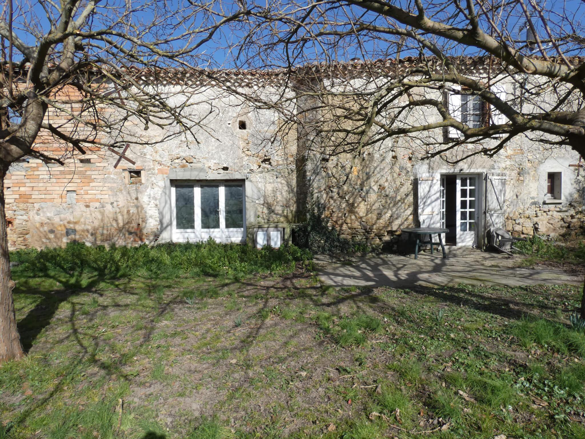 Ancienne ferme T3 lauragaise, environ 9 950 m² terrain plat