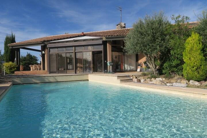 Maison familiale T7/8, piscine, 1800 m² environ terrain+ piscine